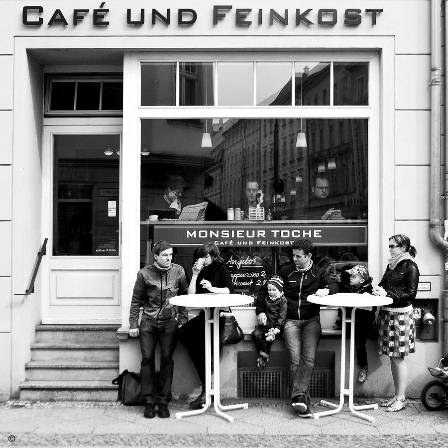 Café und Feinkost