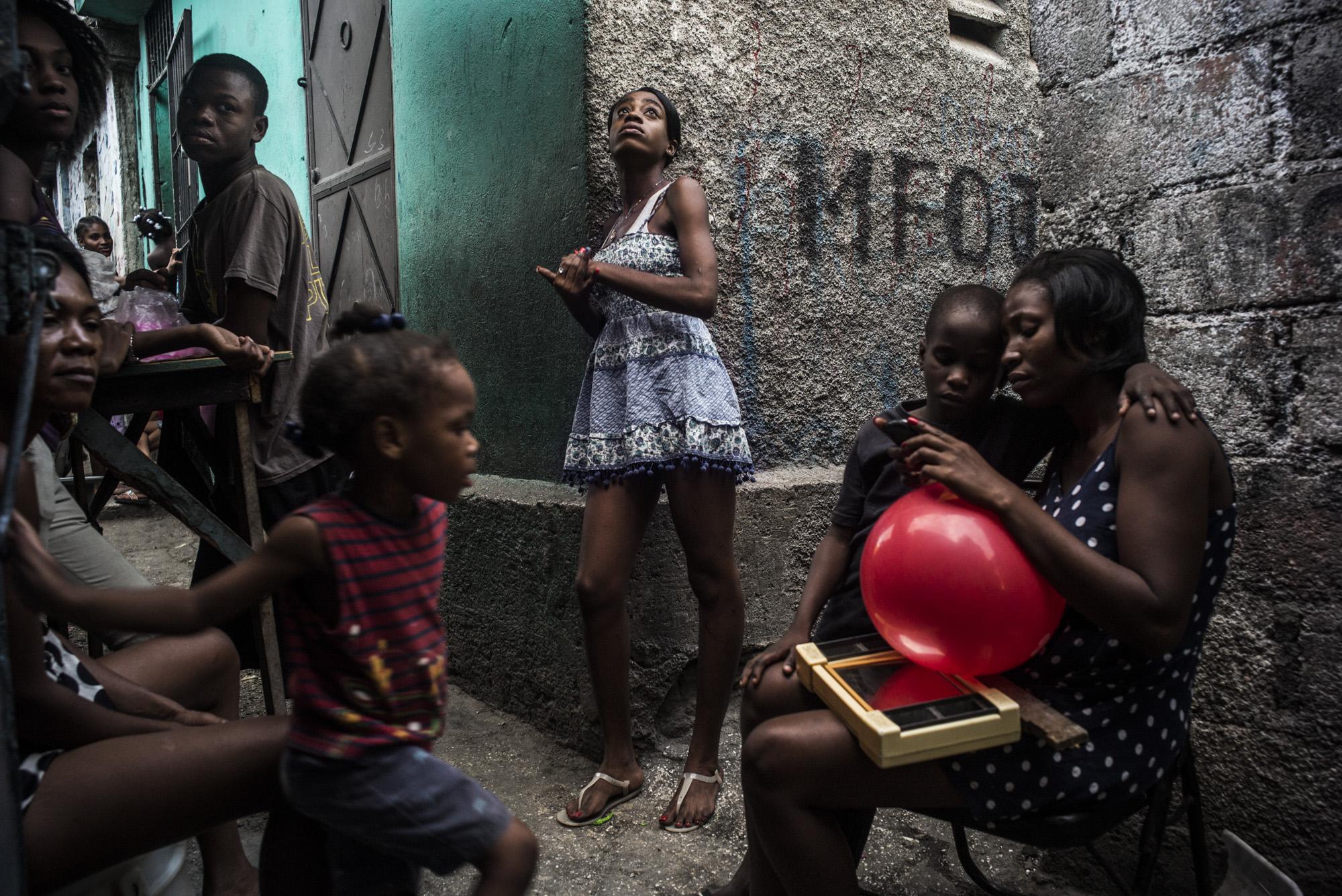 En Bas la Ville - The Leica Camera Blog