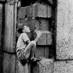 Children at the Berlin Wall